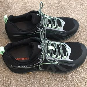 Merrell Siren Edge Waterproof Hiking Shoe